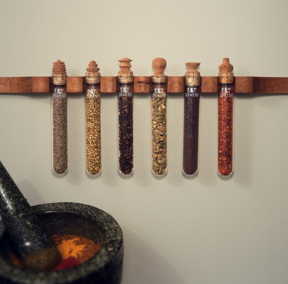 Image of: Innovative And Creative Wall Hanging Spice Racks Desig