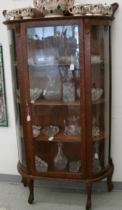 Image of: Unlock antique china cabinet