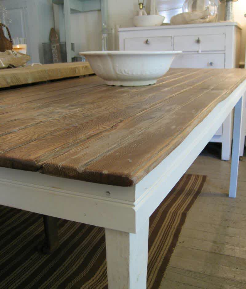 Image of: rustic farmhouse dining room tables