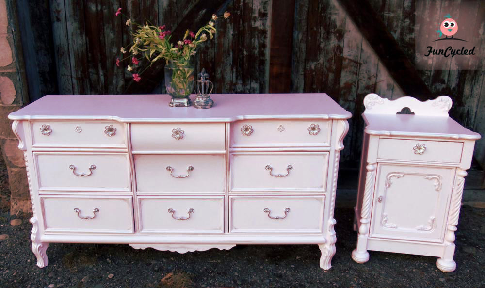 Picture of: Antique Princess Dresser