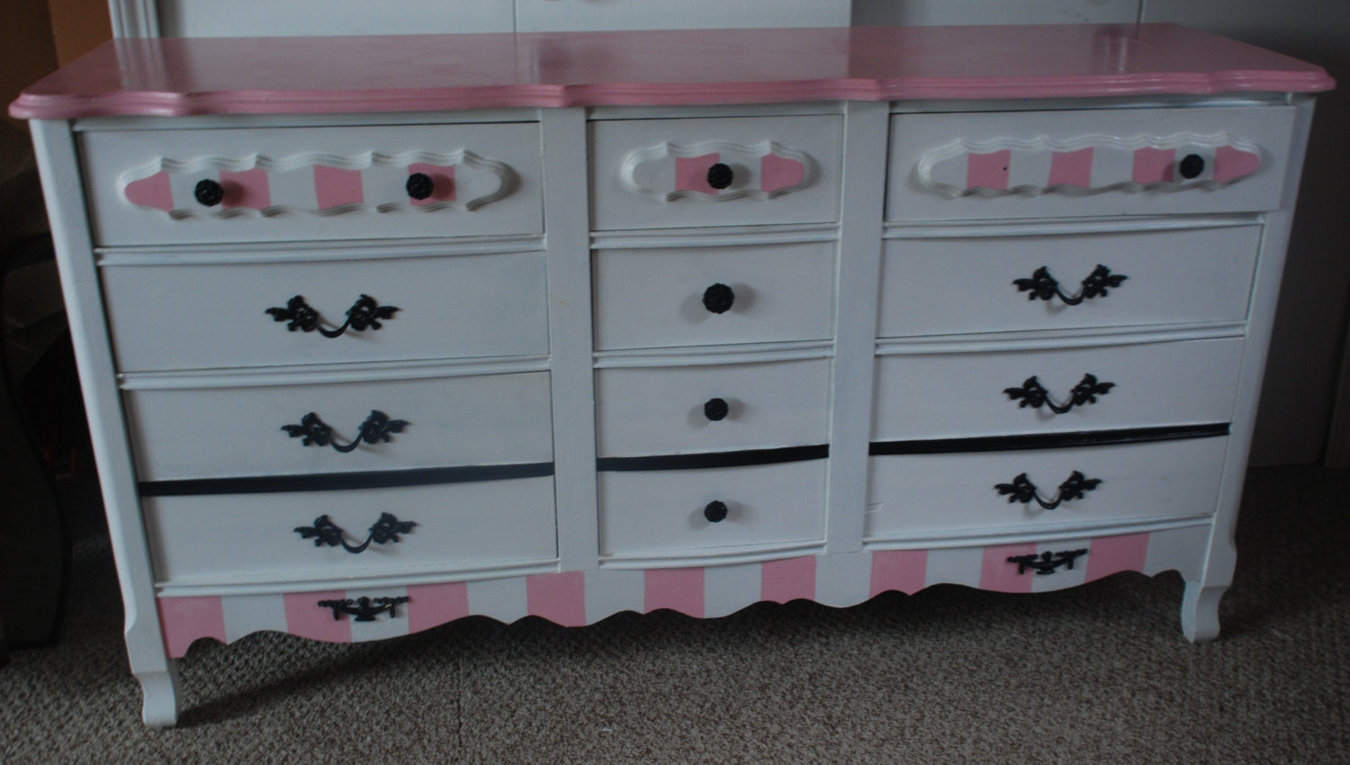 Picture of: Ashley Furniture Dresser With Mirror Ideas