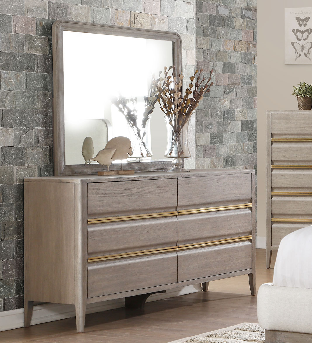 Picture of: Bedroom Distressed Dresser For Sale