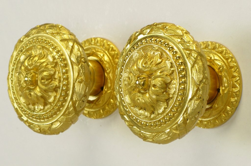 Picture of: Best Gold Drawer Knobs And Pulls
