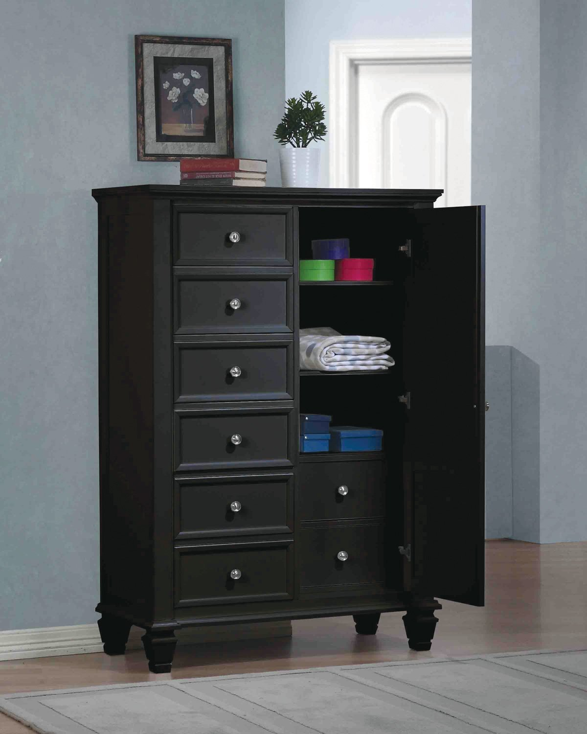 Image of: Black Tall Dressers For Home