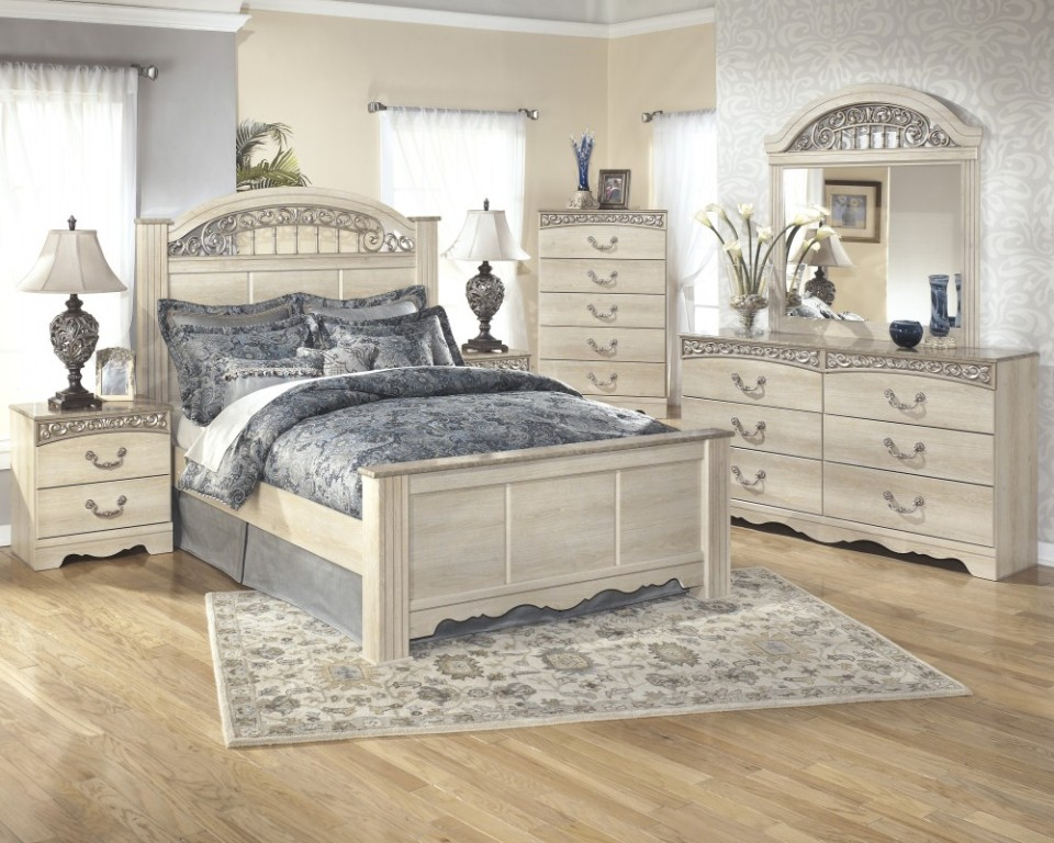 Picture of: Black Vertical Dresser