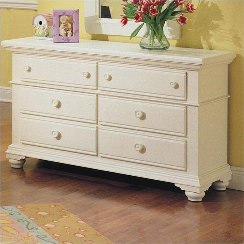 Picture of: Broyhill 7 Drawer Dresser