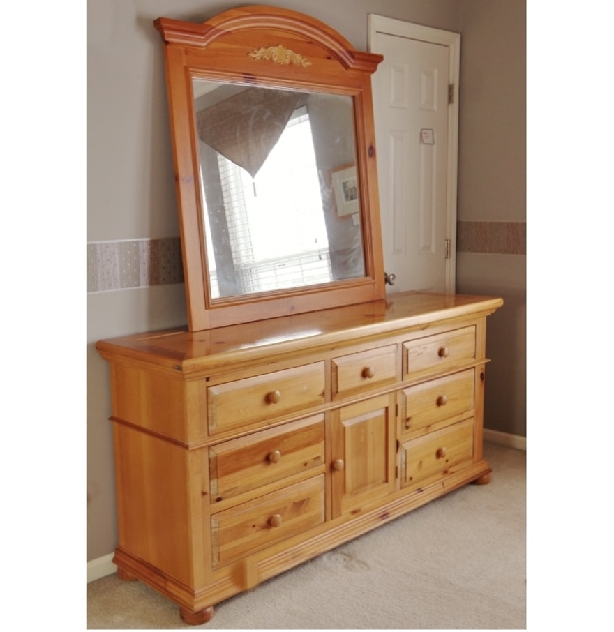 Picture of: Broyhill Dresser Used