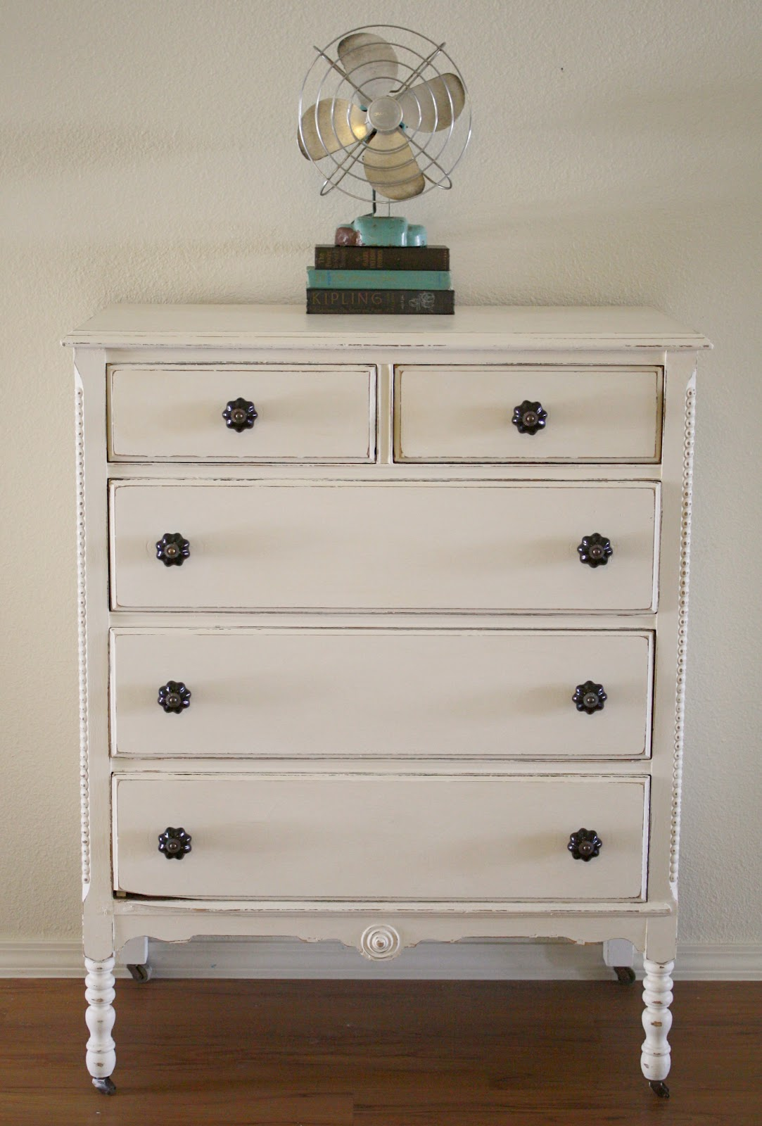 Chalk Painted Dressers Diy