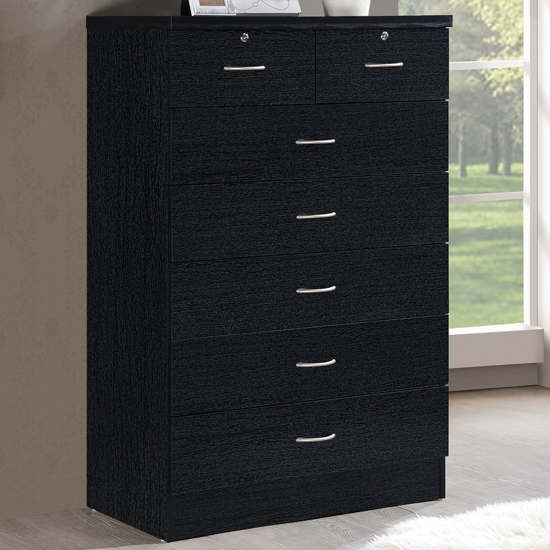 Picture of: Chest Of Drawers With Lockable Drawer