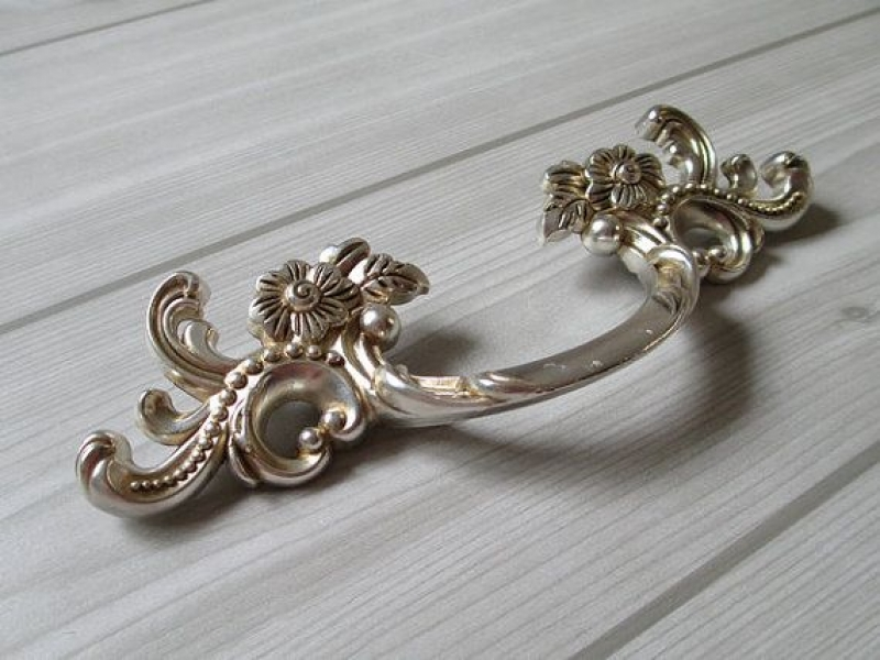 Image of: Decorative Drawer Knobs