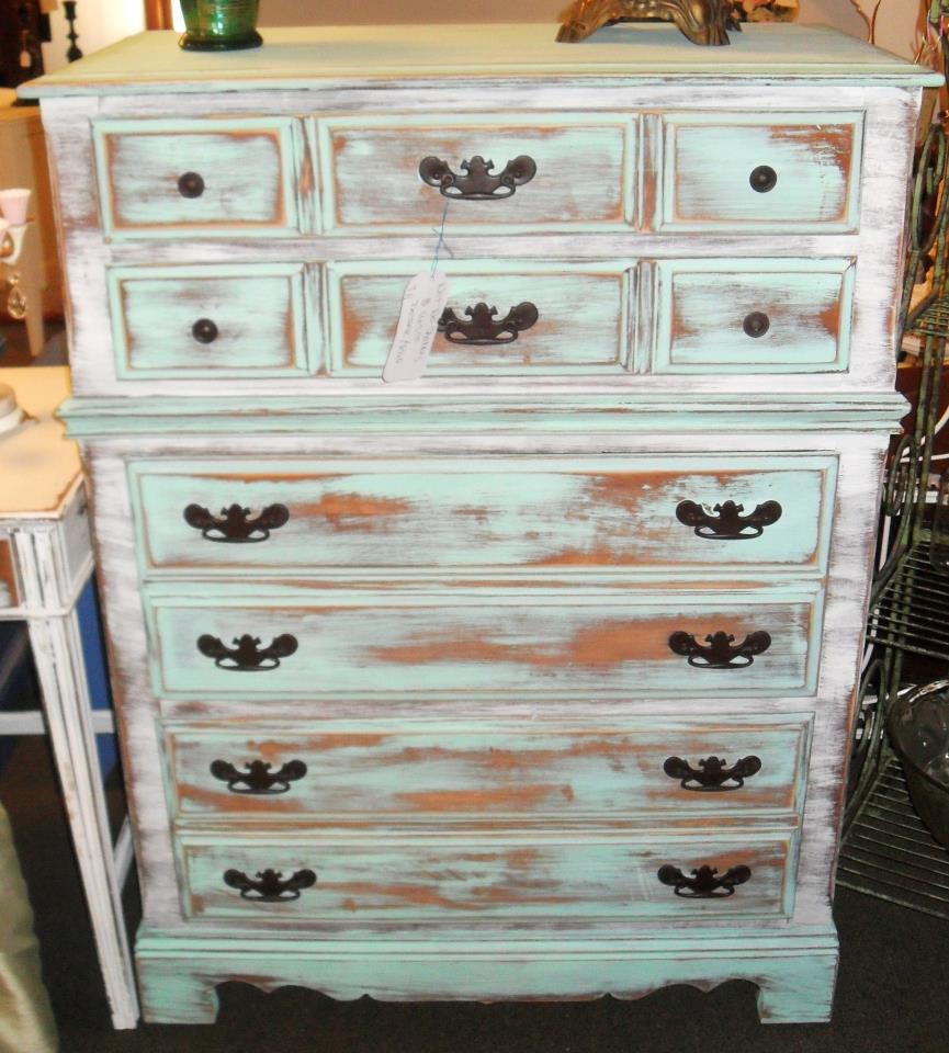 Picture of: Distressed Dressers Cottage Furniture