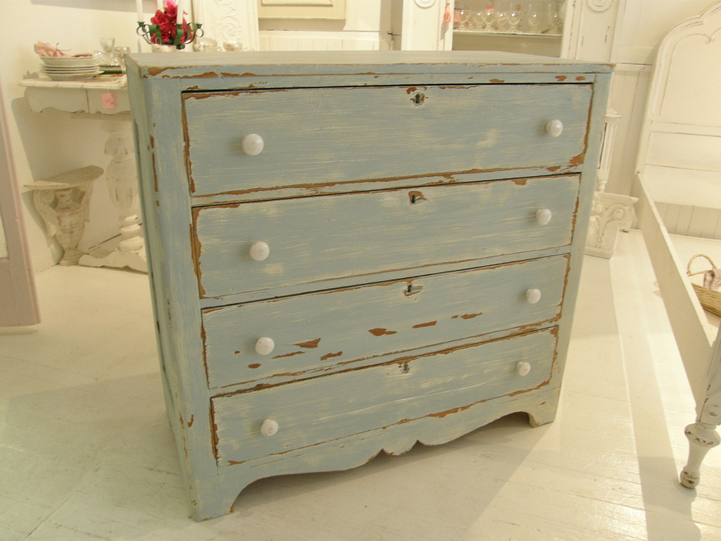 Picture of: Distressed Painted Furniture For Sale