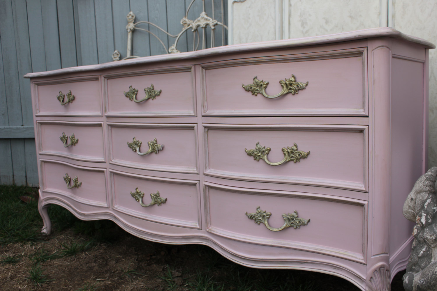 Picture of: Dixie French Provincial Bedroom Furniture