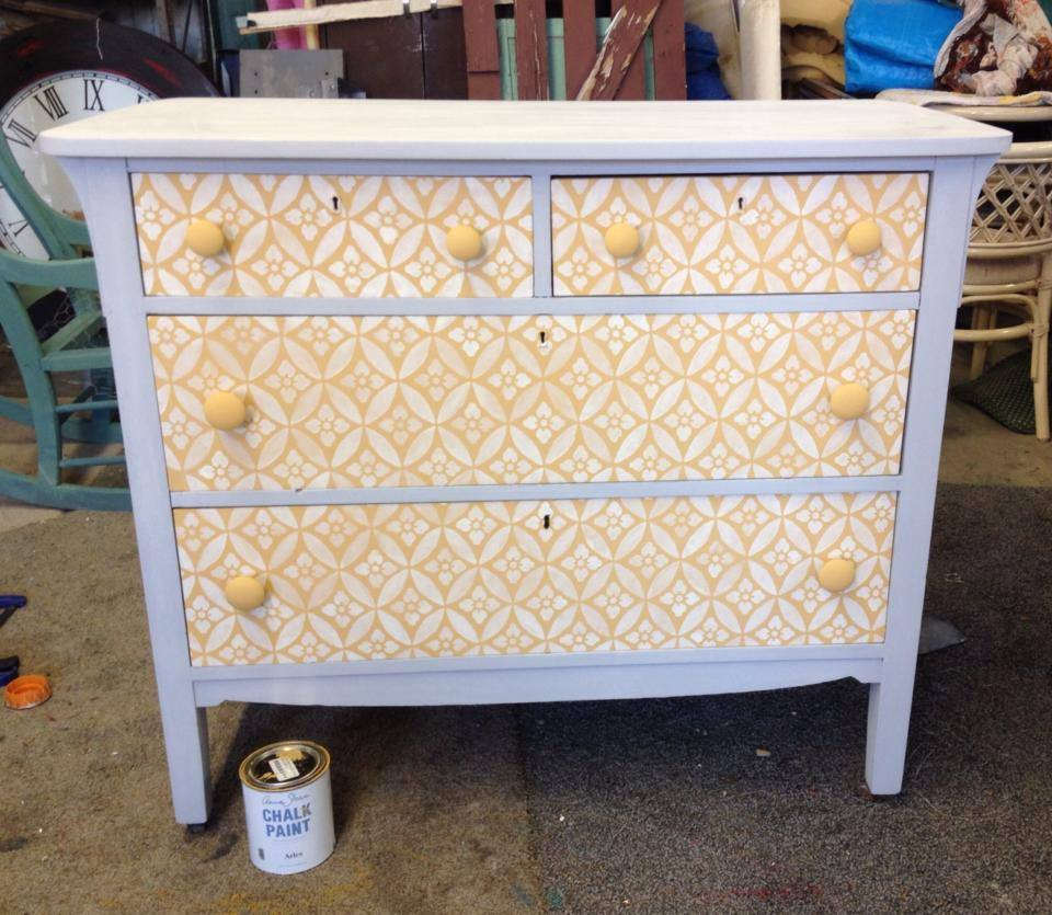 Image of: Diy Ideas For Old Dressers