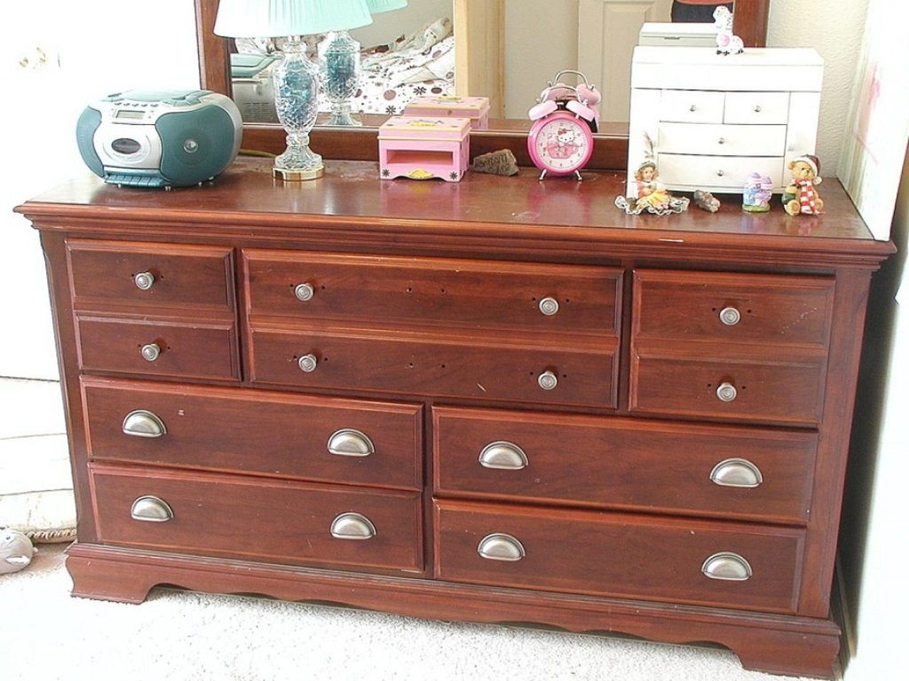 Picture of: Dresser Runners Design