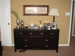 Picture of: Dresser Top Decorating Ideas
