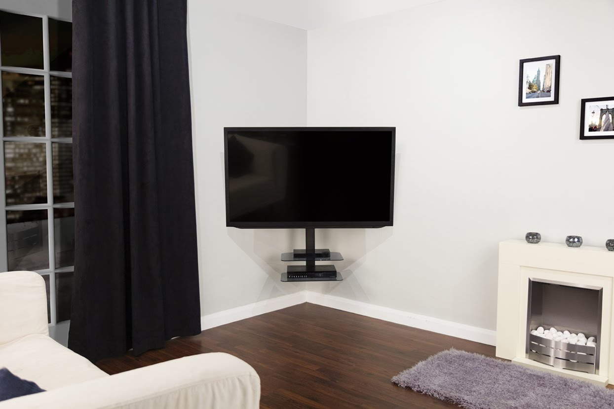 Picture of: Elegant Dresser Top TV Stand