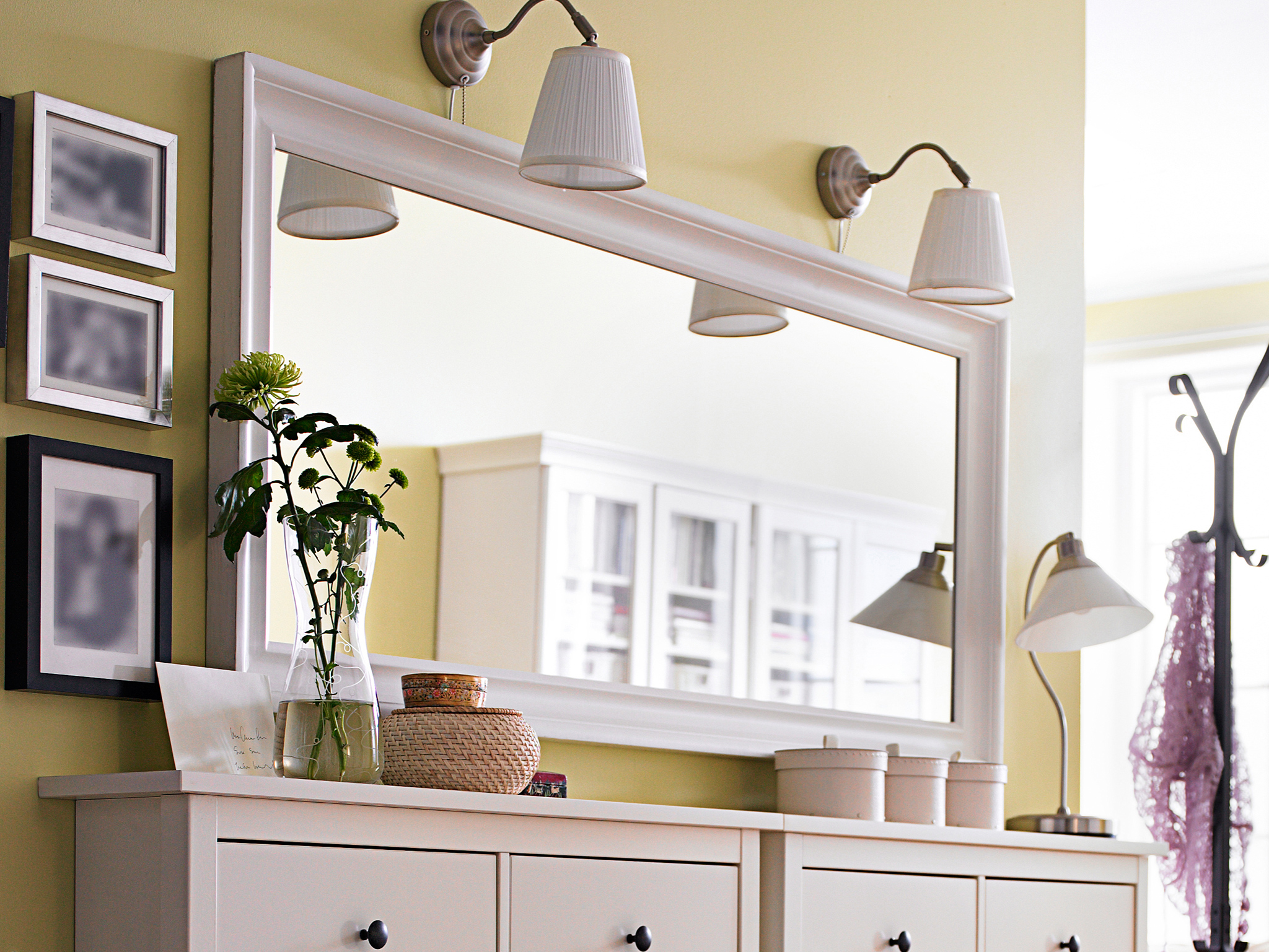 Picture of: Dresser with Mirror and Lights