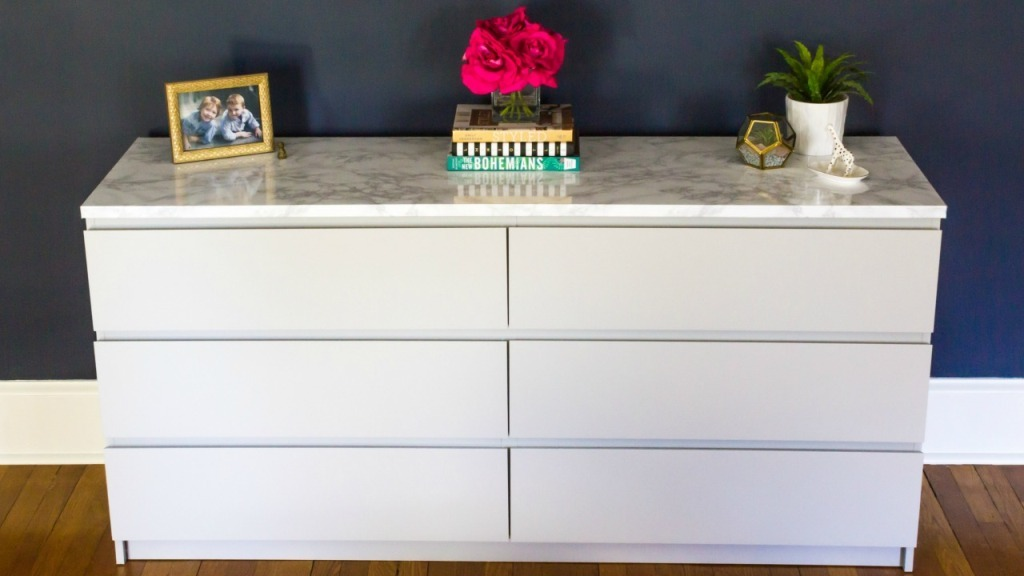 Image of: Eastlake Dresser with Mirror and Marble Top
