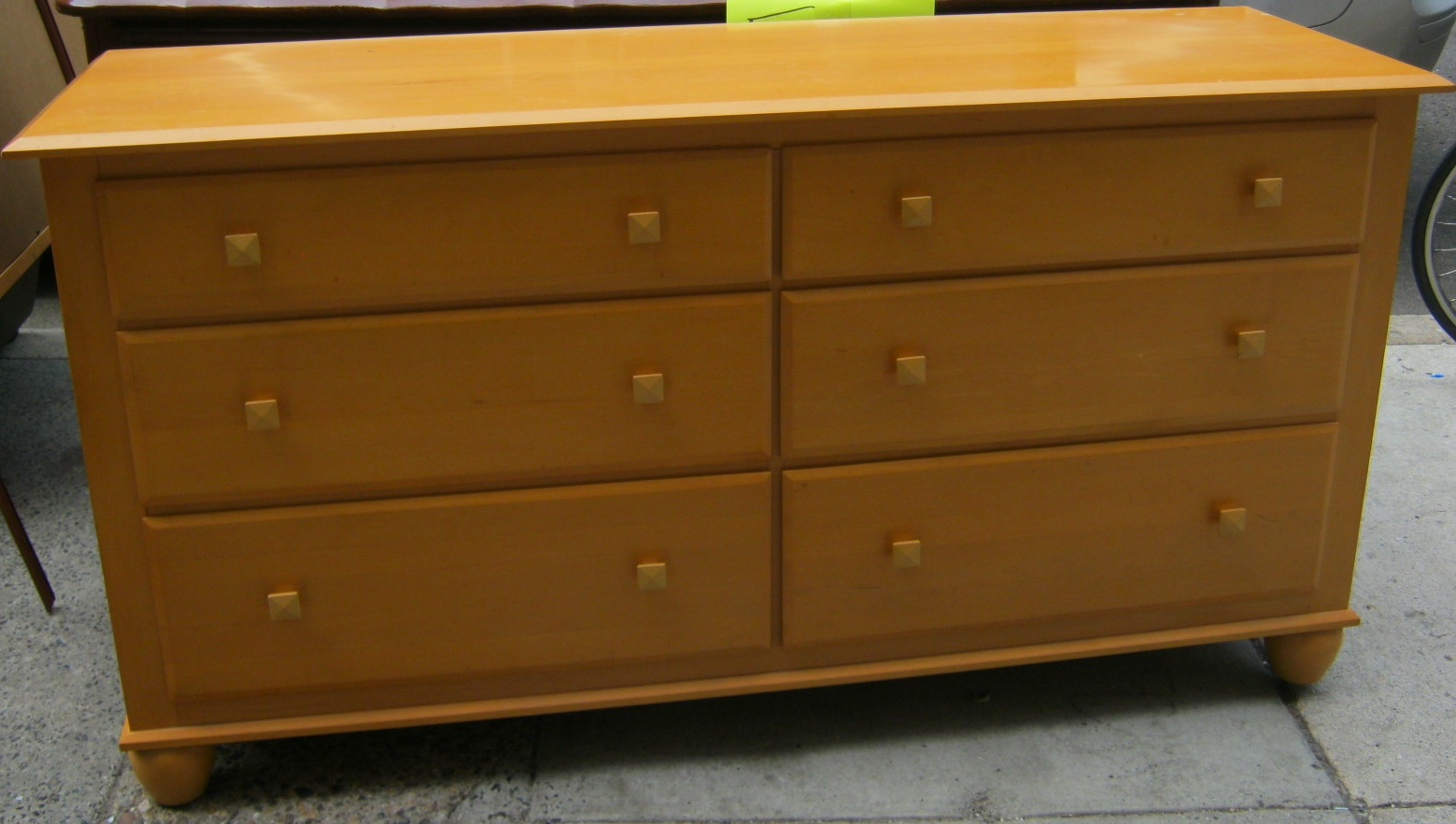 Picture of: Ethan Allen Bedroom Furniture Discontinued