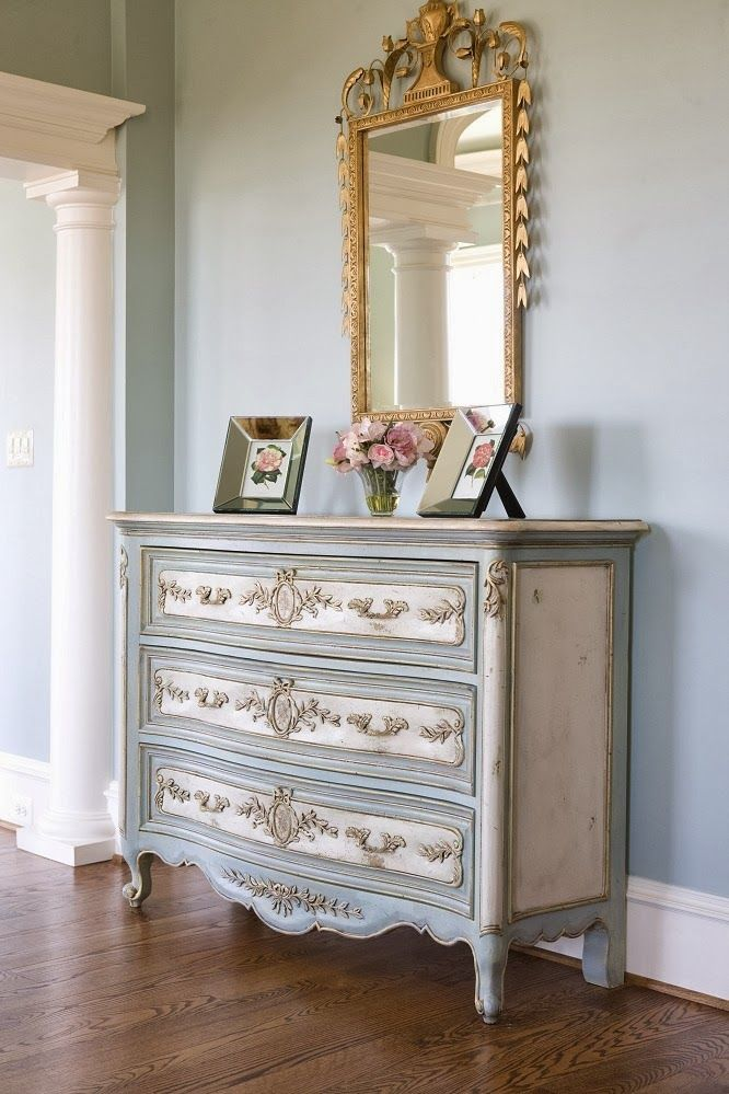 Picture of: French Country Dresser Pulls