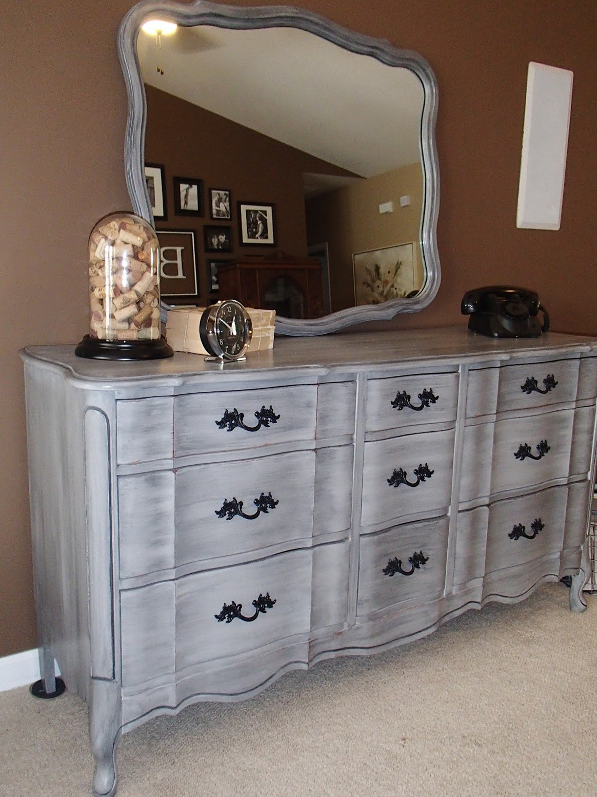 Picture of: French Provincial Bedroom Furniture