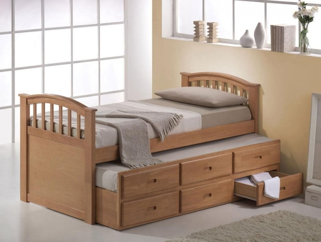Picture of: Girls Loft Bed With Dresser