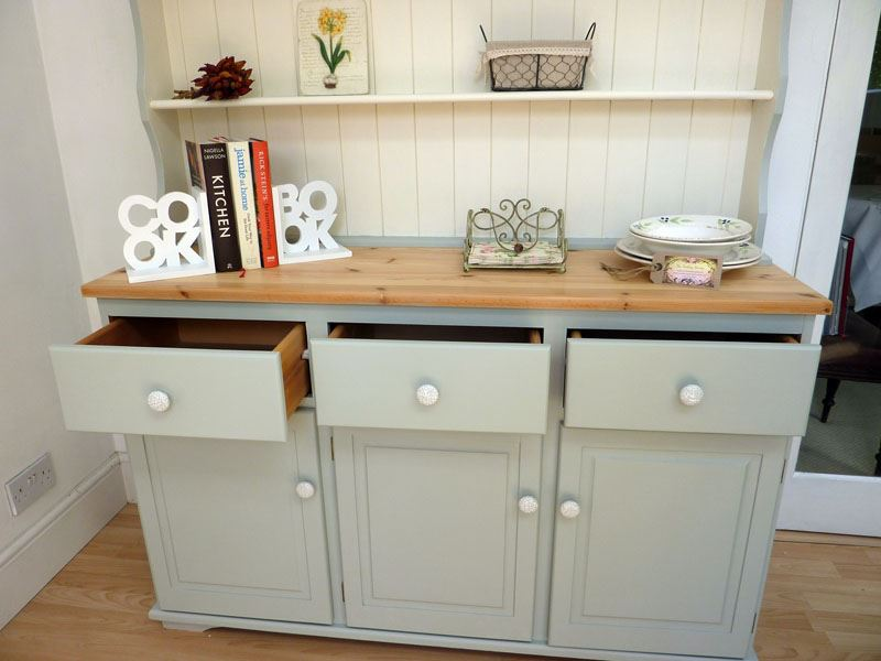 Gray Country Style Dressers And Chests