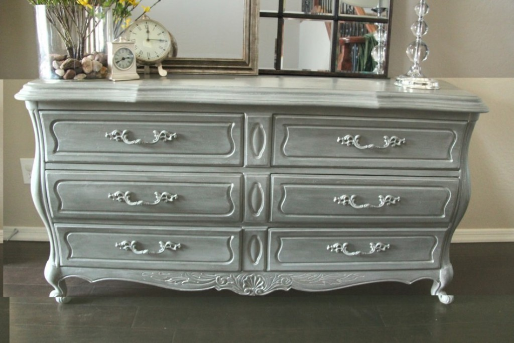 Image of: Grey Bedroom Dressers Chests