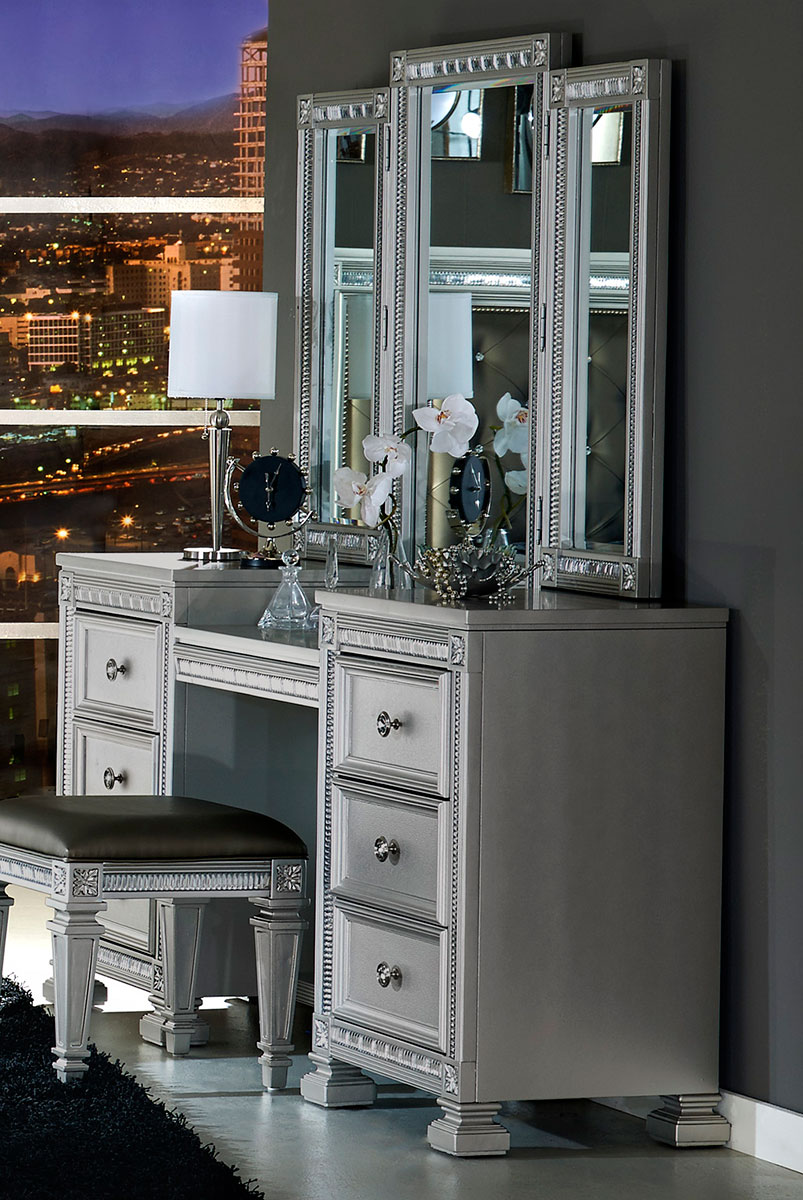 Picture of: Hollywood Vanity Mirror With Lights