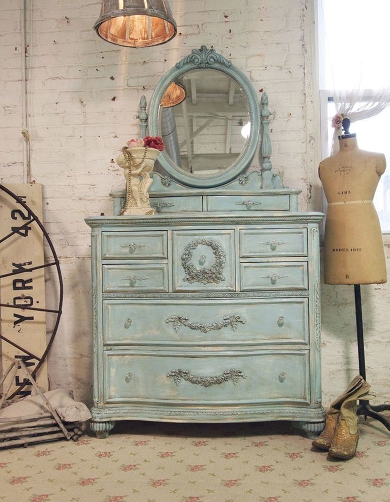 Image of: How To Paint Shabby Chic Distressed