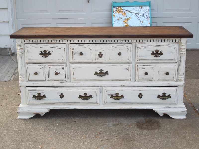 Image of: How To Paint Shabby Chic Dresser