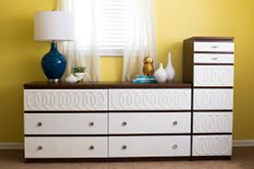 Picture of: IKEA Malm 3 Drawer Dresser Photos