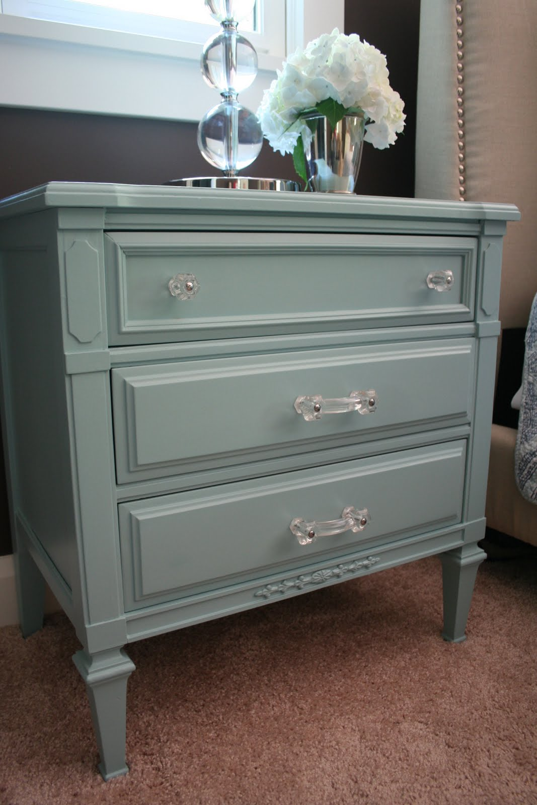 Picture of: Ideas Updating Dressers