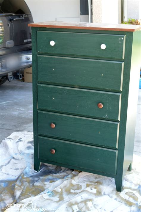 Ideas to Restore an Old Dresser