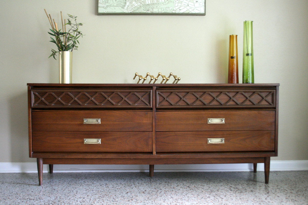 Picture of: Innovative Vintage Bassett Chest Of Drawers