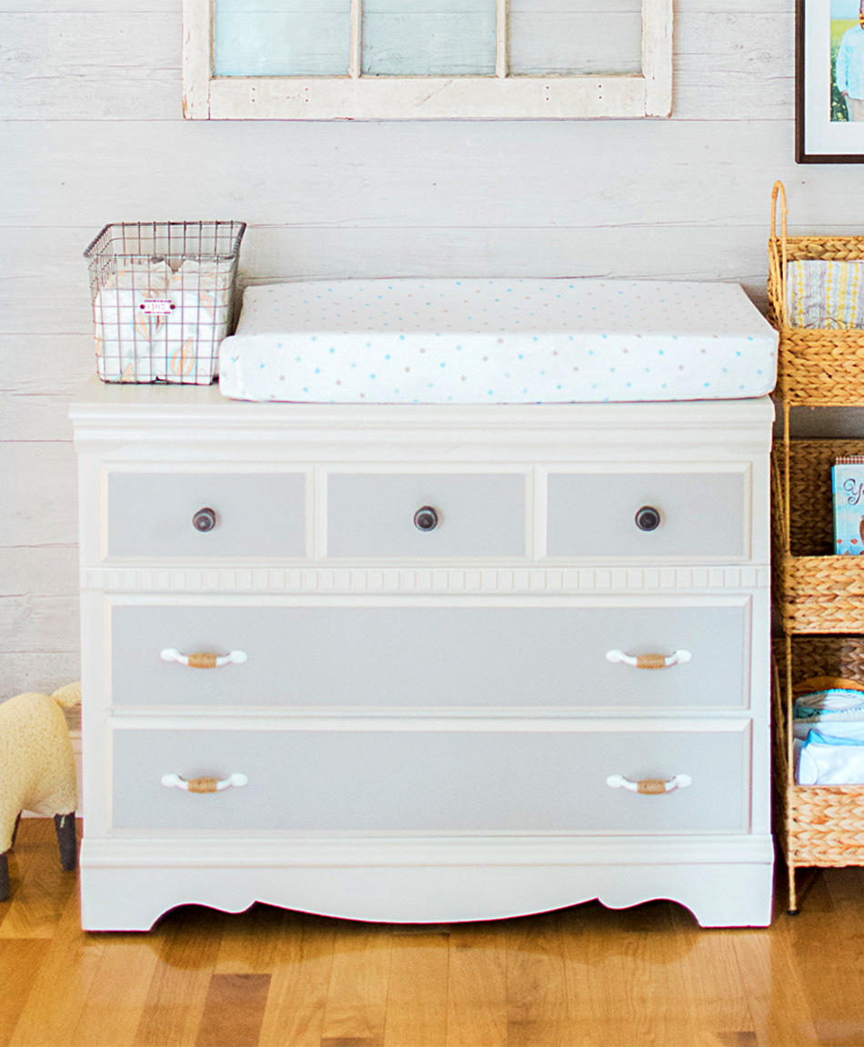 Picture of: Jenny Lind Dresser Changing Table