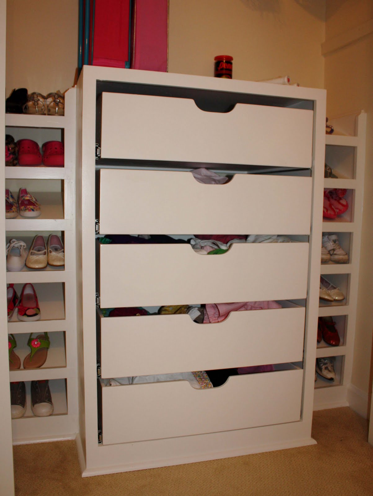 Picture of: Kids Closet Organizer Lowes
