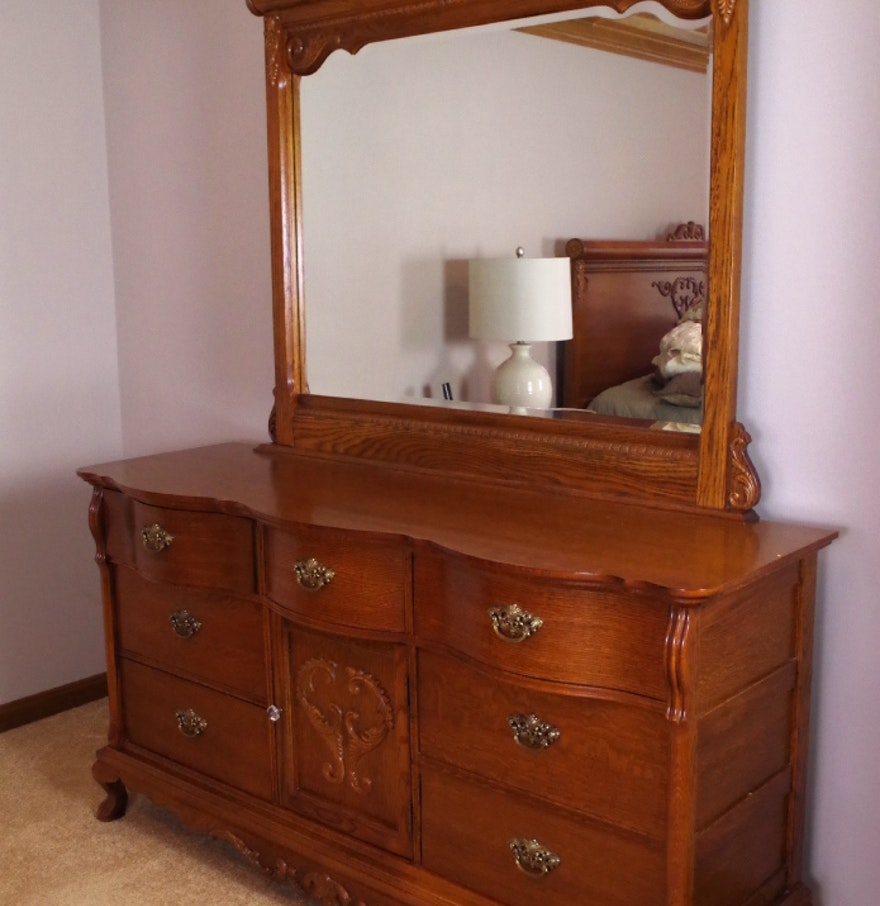 Image of: Lexington Oak Dresser and Mirror