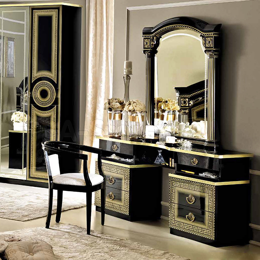 Picture of: Lighted Vanity Mirror Table