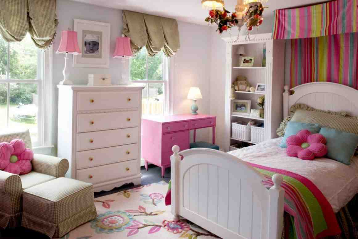 Picture of: Little Girl Dresser With Mirror