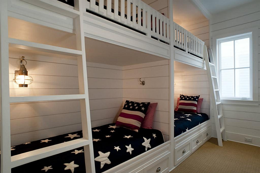Picture of: Loft Bed With Bookshelf