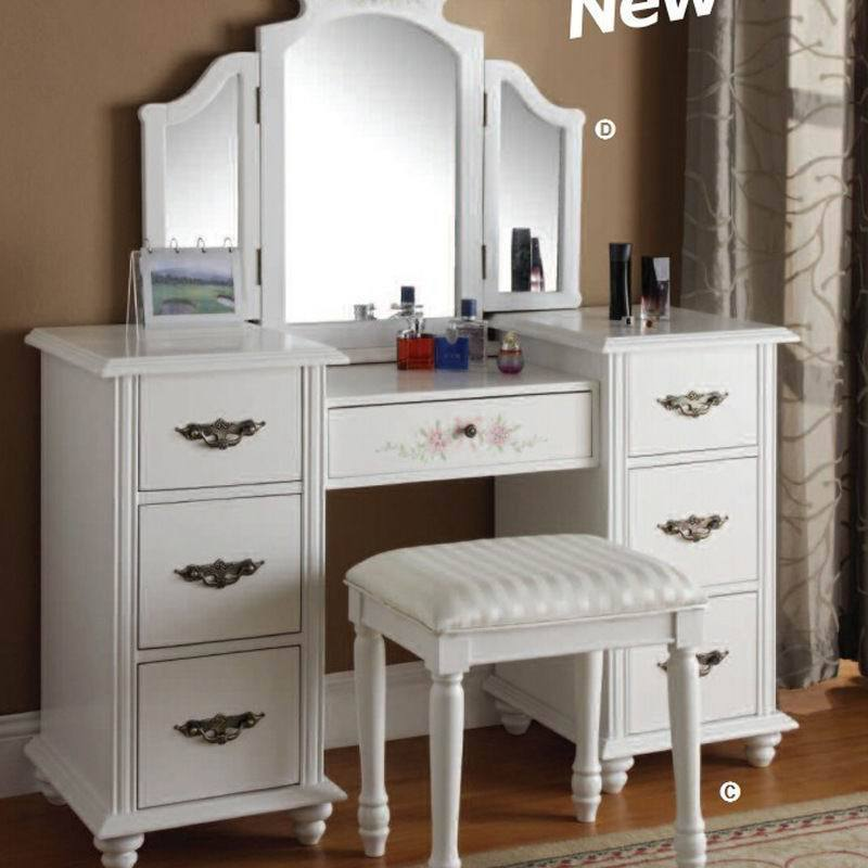 Picture of: Makeup Vanity With Lights Diy Paint