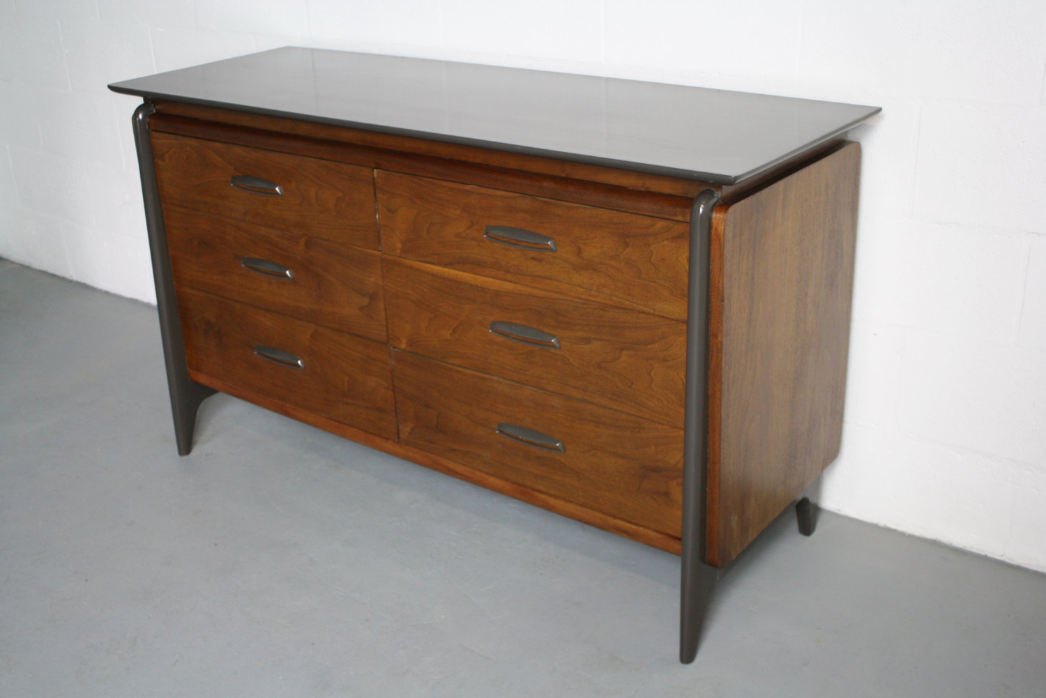 Image of: Mid Century Chest