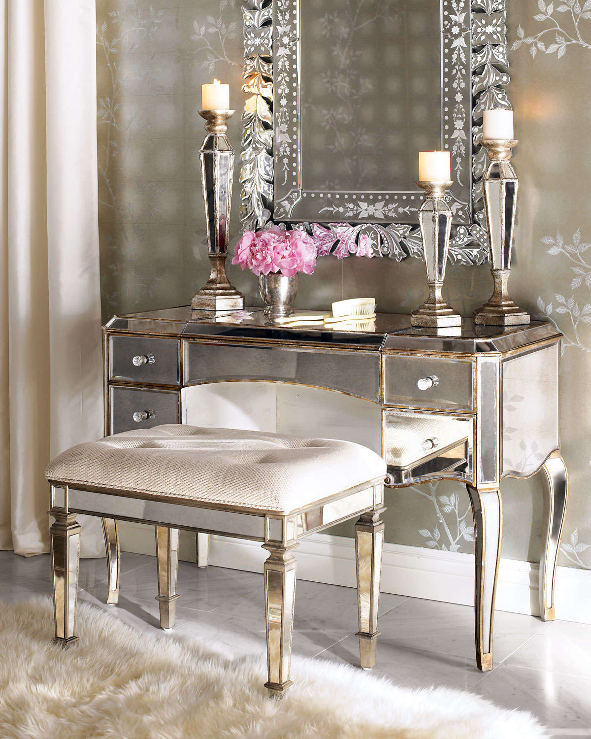 Picture of: Modern Dressing Table With Mirror