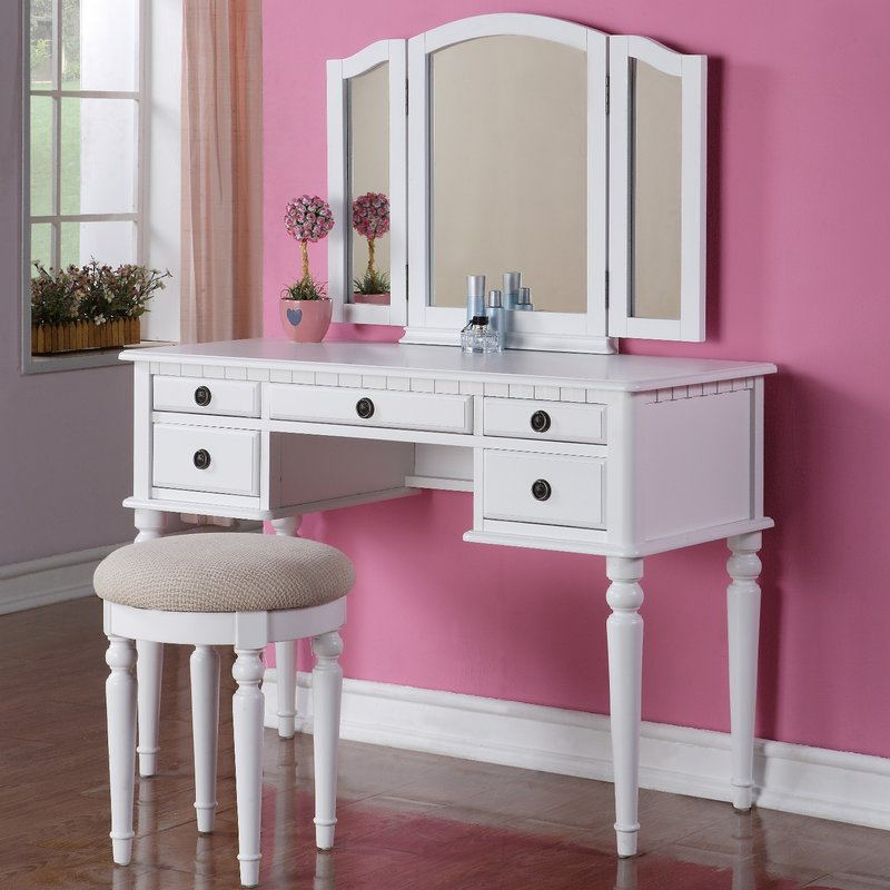 Picture of: Modern Vanity Table With Mirror