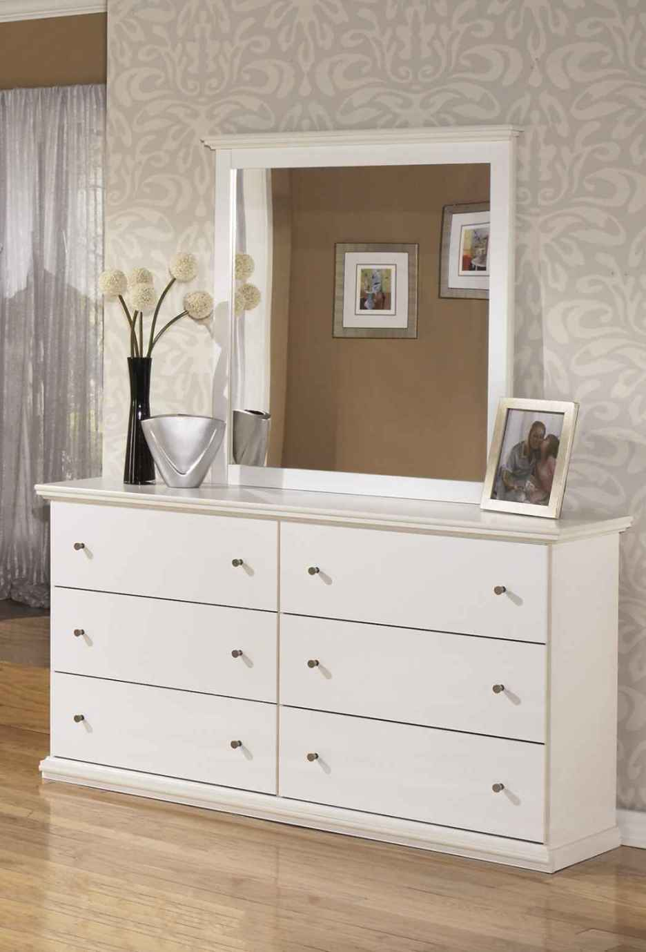 Picture of: Narrow Mirror Dressers For Small Spaces