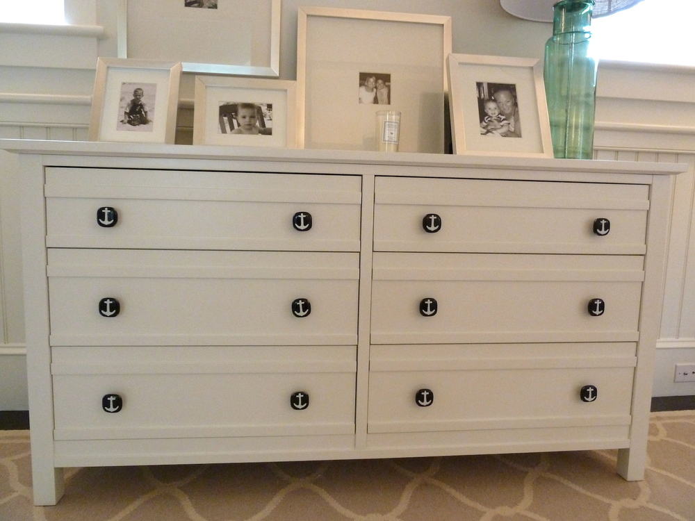 Picture of: Navy Knobs For Cabinet