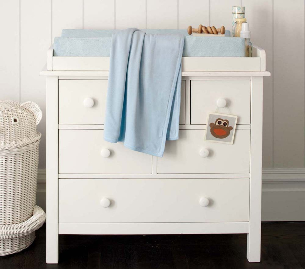 Image of: Nice Changing Table Topper for Dresser