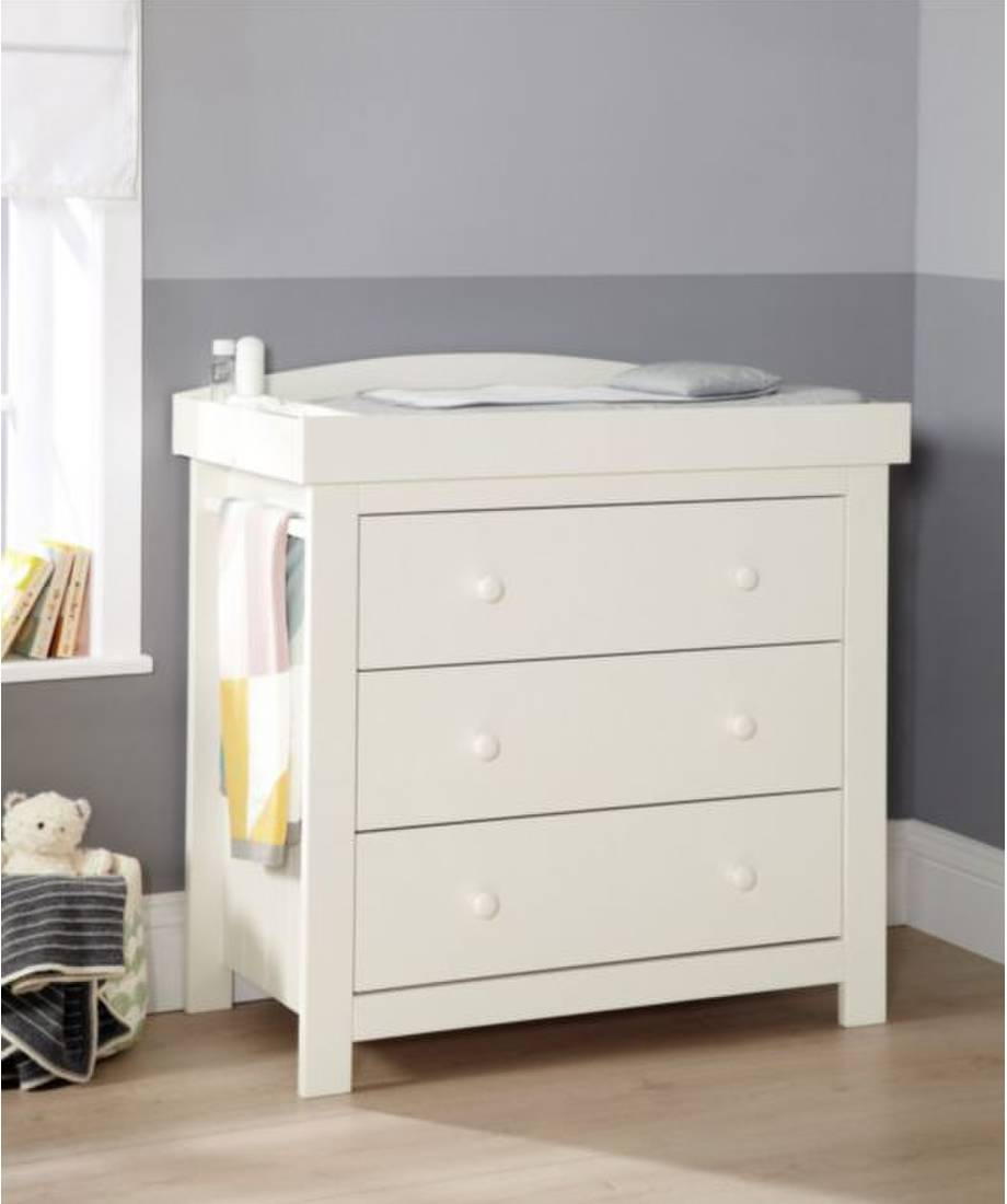 Image of: Off White Tall Dresser